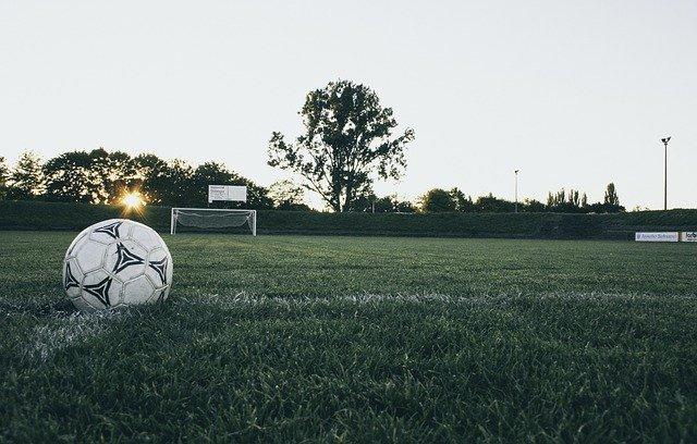 míč fotbal